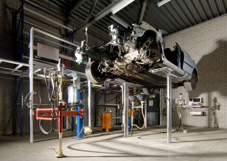 Drainagesystem for car dismantling at Bart Ebben Specialist Citroen Peugeot